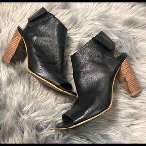 COACH FLAP BUTTON SNAP CHUNKY HEELS